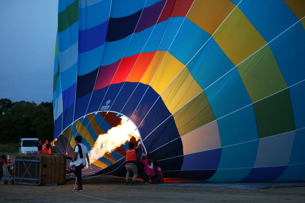 天平祭熱気球準備風景